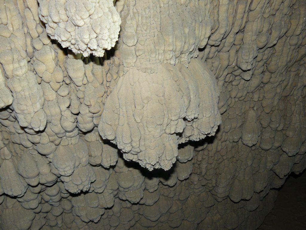 Cueva de Esjamundo - Villanua
